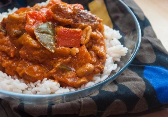 Afrikanischer Paprika-Erdnuss-Eintopf